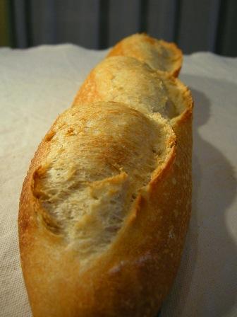 紅茶酵母でフランスパン_e0167593_103923.jpg