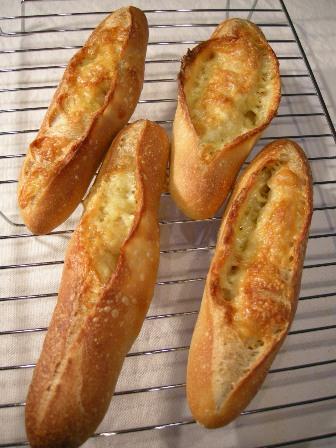紅茶酵母でフランスパン_e0167593_111399.jpg