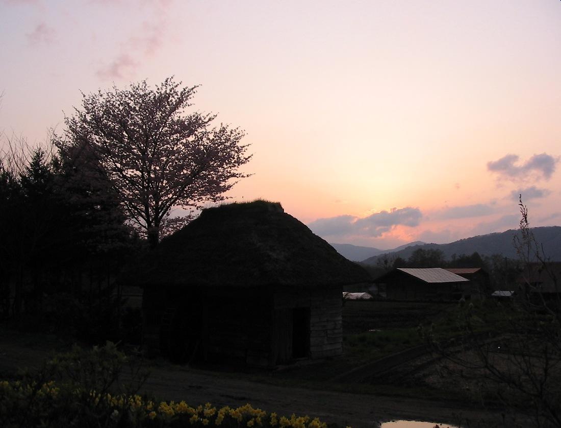 水車小屋で夕陽を見た_d0001843_169892.jpg