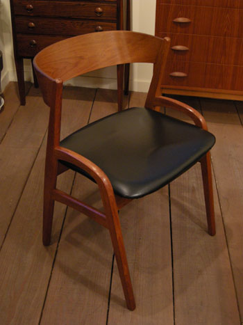 Chair (DENMARK)_c0139773_1858284.jpg