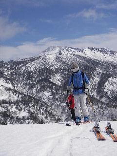雪の遊びと春の訪れ_f0105112_10513723.jpg