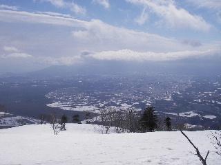 雪の遊びと春の訪れ_f0105112_1055561.jpg