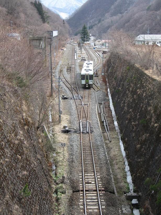 またしても、高みでの電車遭遇_d0001843_23474437.jpg