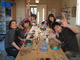 パワフル6人組がにぎやかに陶芸体験_f0151419_18191491.jpg