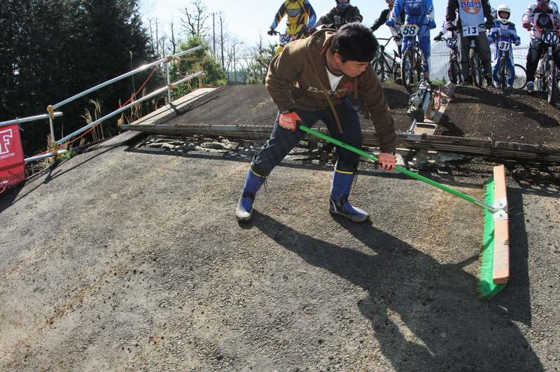 2009JOSF緑山関東オープンレースVOL11:コース外の風景〜ギョニソー再び..._b0065730_11131980.jpg