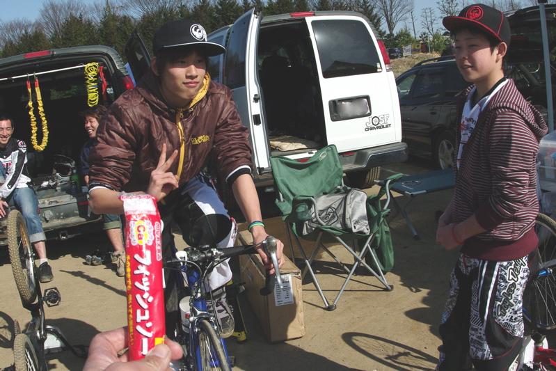 2009JOSF緑山関東オープンレースVOL11:コース外の風景〜ギョニソー再び..._b0065730_11415872.jpg