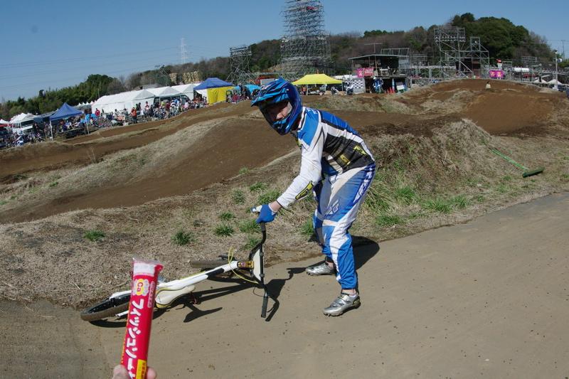2009JOSF緑山関東オープンレースVOL11:コース外の風景〜ギョニソー再び..._b0065730_1148740.jpg