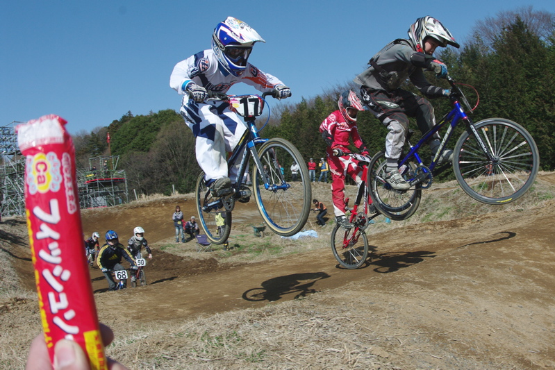2009JOSF緑山関東オープンレースVOL11:コース外の風景〜ギョニソー再び..._b0065730_11541816.jpg