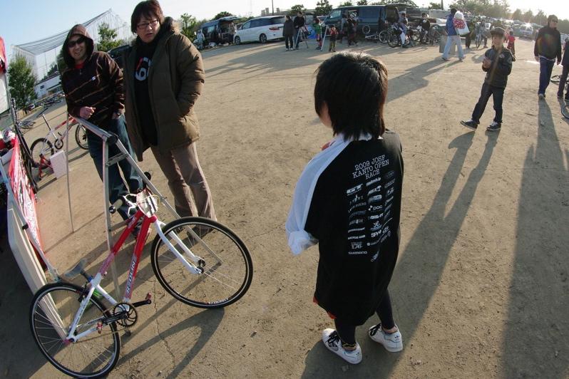2009JOSF緑山関東オープンレースVOL11:コース外の風景〜ギョニソー再び..._b0065730_1201796.jpg