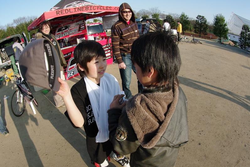 2009JOSF緑山関東オープンレースVOL11:コース外の風景〜ギョニソー再び..._b0065730_1231934.jpg