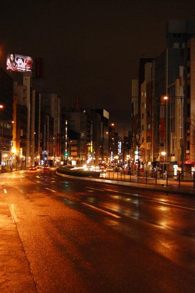 雨上がりの夜桜_a0003650_23544945.jpg
