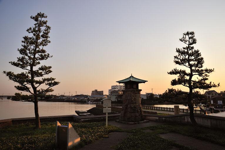 浜常夜灯(はまのじょうやとう)_e0170058_19484120.jpg