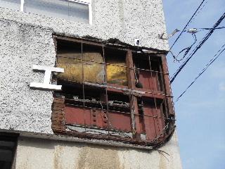 鉄骨ビルの外壁修理_f0105112_17454069.jpg