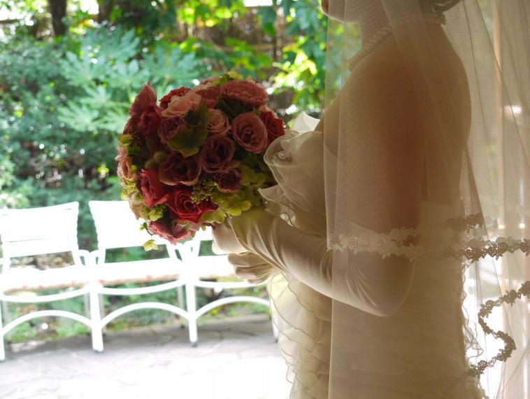 シェ松尾松濤レストラン様の装花 平日、春のはじめに_a0042928_20211087.jpg
