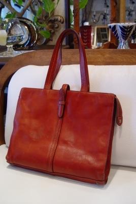素敵な茶色本革バッグが入荷しました。_a0096367_225772.jpg