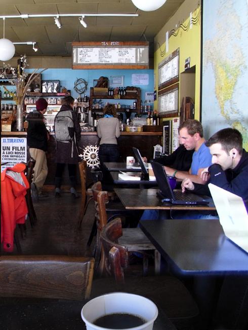 ウィリアムズバーグの穴場カフェ Atlas Cafe_b0007805_21173511.jpg