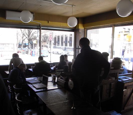 ウィリアムズバーグの穴場カフェ Atlas Cafe_b0007805_21211468.jpg