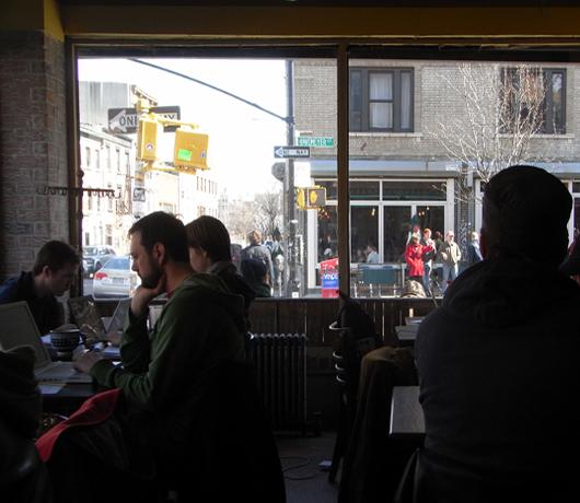 ウィリアムズバーグの穴場カフェ Atlas Cafe_b0007805_227781.jpg
