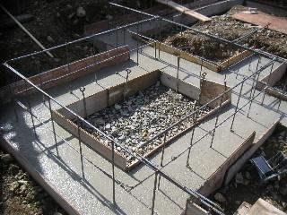 新築工事進行中。_f0105112_1985335.jpg