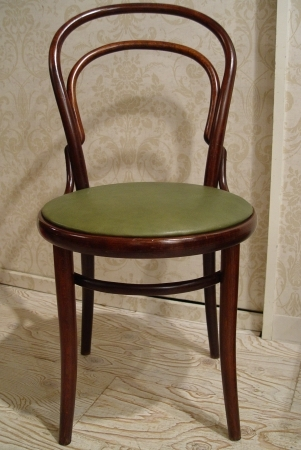 チェコスロバキアの曲げ木椅子 グリーン革仕上げ_a0096367_2242469.jpg