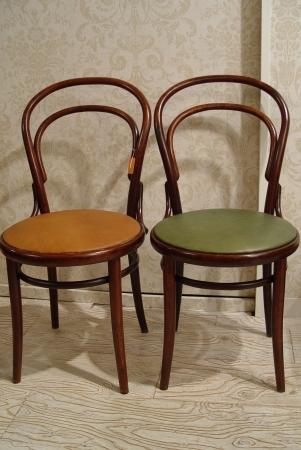チェコスロバキアの曲げ木椅子 グリーン革仕上げ_a0096367_2243428.jpg
