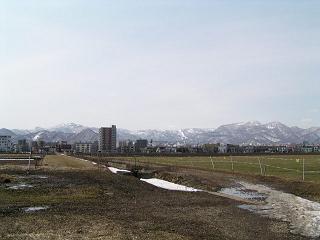 早春の北大農場_f0078286_1343467.jpg