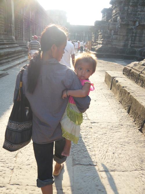 In the Cambodian sun ☆_f0170995_1272284.jpg