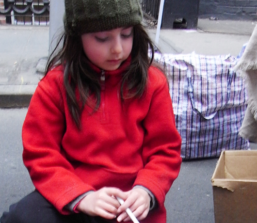 NYのストリートフェアで遭遇した小さなアーティスト_b0007805_5294975.jpg