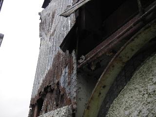 鉄骨ビルの外壁修理 続き_f0105112_8454345.jpg