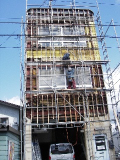 鉄骨ビルの外壁修理 続き_f0105112_8473712.jpg