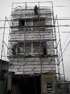鉄骨ビルの外壁修理 続き_f0105112_851829.jpg