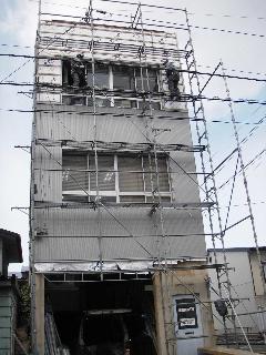 鉄骨ビルの外壁修理 続き_f0105112_854032.jpg