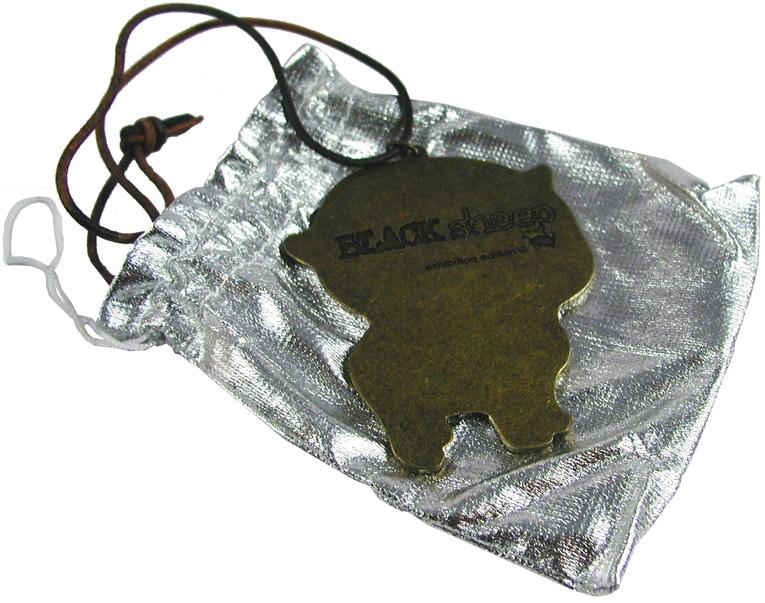 ブラック・シープの真鍮製プレートを見てください。_a0077842_1913119.jpg