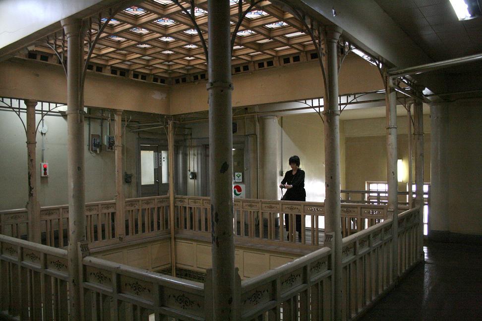 「警官の血」ロケ地        上野ビル(北九州市若松)_a0107574_20571851.jpg