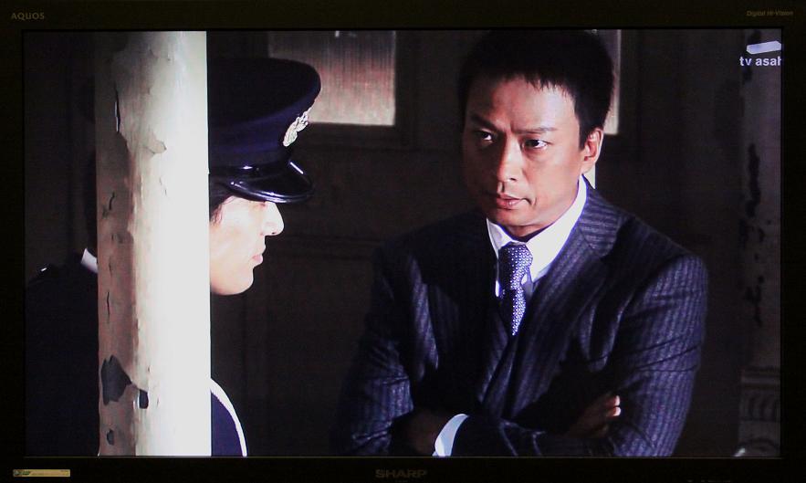 「警官の血」ロケ地       若戸大橋が見える(予告)_a0107574_6193457.jpg