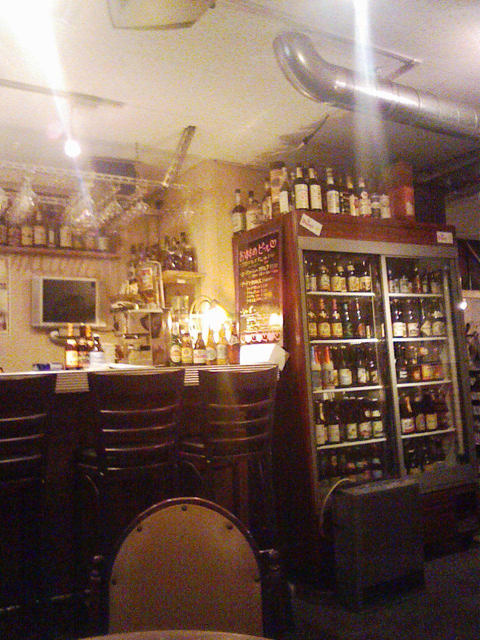 「ドールドレス」天満の不思議な店。入れば「ベルギービール」てんこ盛り!_c0061686_871282.jpg