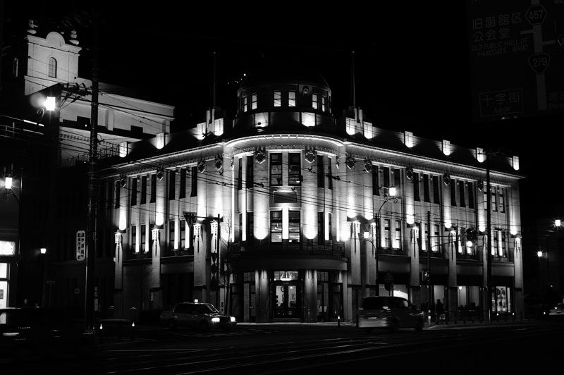 十字街界隈、夜のモノクローム2_f0042194_923661.jpg