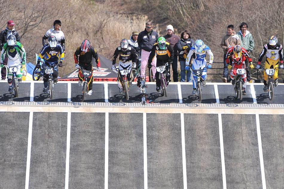JBMXF スーパーシリーズ特別戦IN修善寺BMXトラックVOL2:DAY2スーパークラス決勝(世界最速情報)_b0065730_22134141.jpg