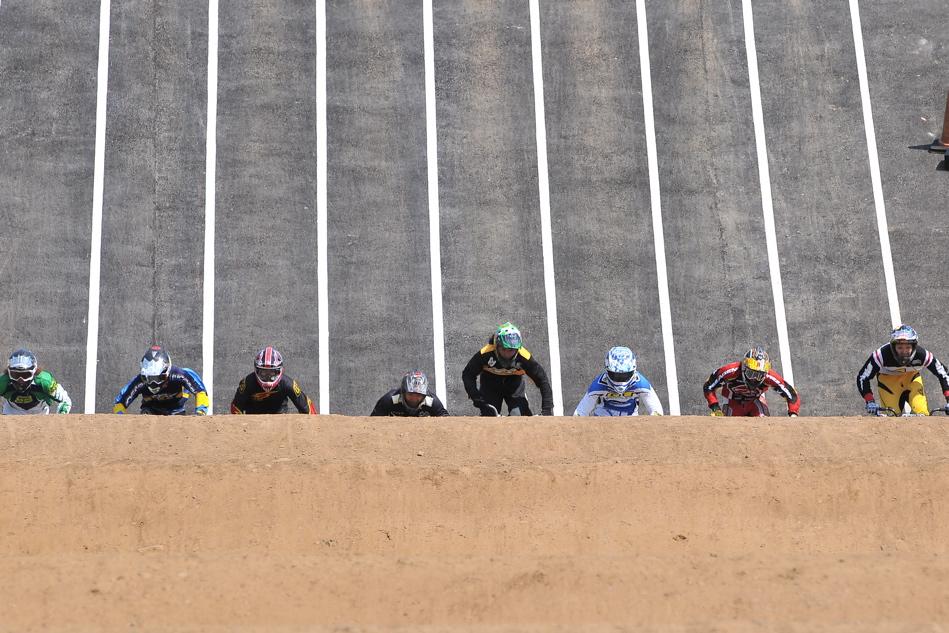 JBMXF スーパーシリーズ特別戦IN修善寺BMXトラックVOL2:DAY2スーパークラス決勝(世界最速情報)_b0065730_22142884.jpg