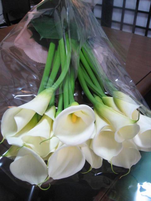 またまた綺麗な花束が届きました。_f0181251_16183977.jpg