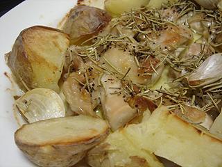 きのことアスパラのトマトソーススパゲティと鶏とじゃがいものオーブン焼き_c0025217_11362982.jpg