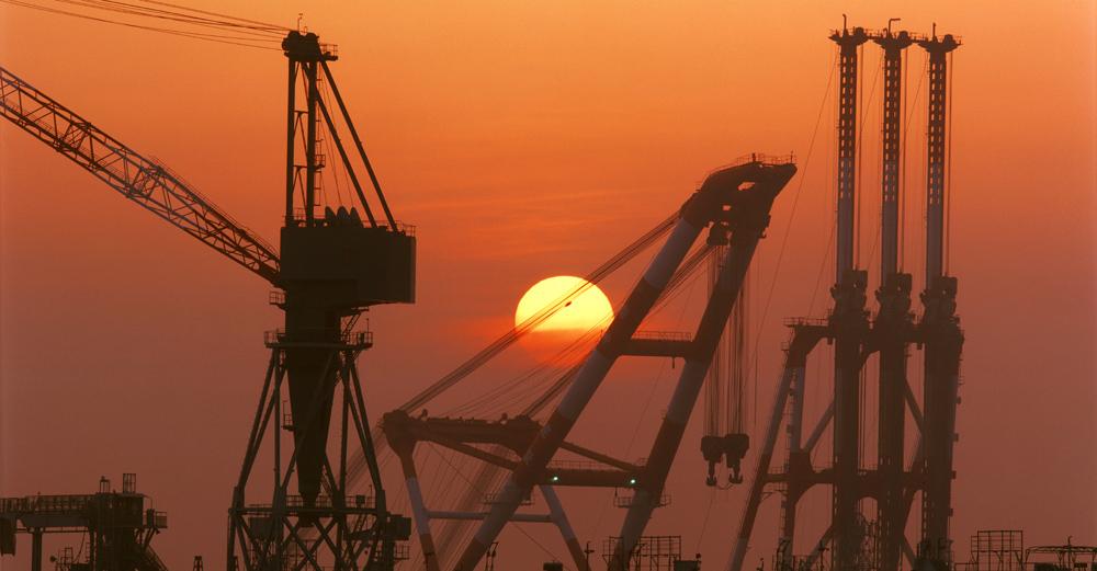 朝陽とクレーン 横浜・磯子 1996年3月~4月_c0190190_4323951.jpg