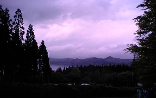 田沢湖畔での小雨の中の県植樹祭_e0054299_1850172.jpg