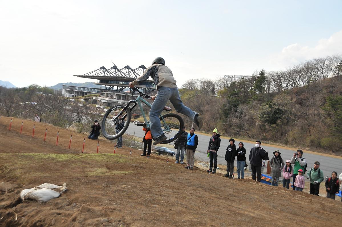 JBMXFスーパーシリーズ特別戦:修善寺BMXトラックVOL7:MTBスーパージャンプパフォーマンスDAY1_b0065730_20353645.jpg