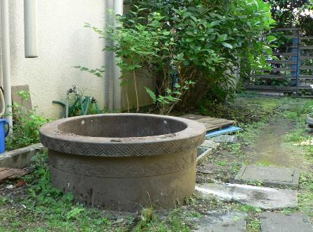 使われていない井戸をお掃除しました。_b0170161_13192518.jpg