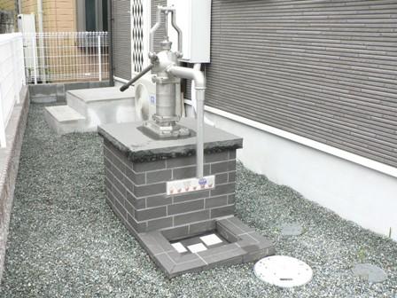 使用していない井戸を庭のモチーフとして使えるようにしました。_b0170161_1374742.jpg