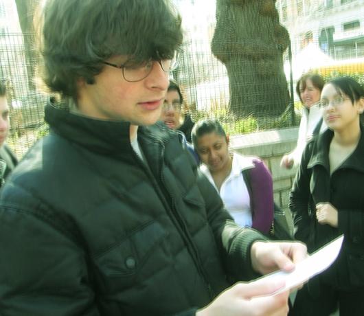 街角で出会った詩人の青年_b0007805_211644.jpg