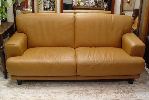 上質なキャメル本革ソファーが入荷しました!!_a0096367_2221476.jpg