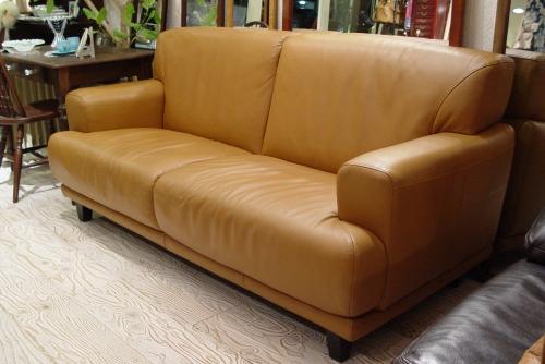 上質なキャメル本革ソファーが入荷しました!!_a0096367_2224781.jpg