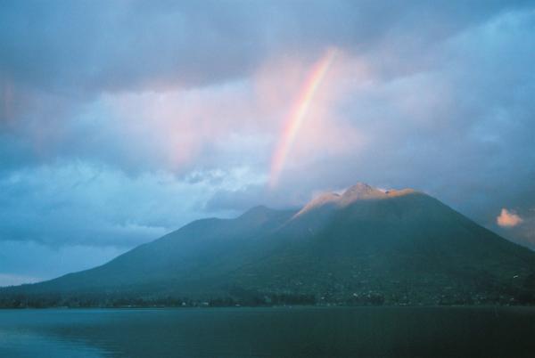エクアドルで観た虹_c0165046_18582350.jpg